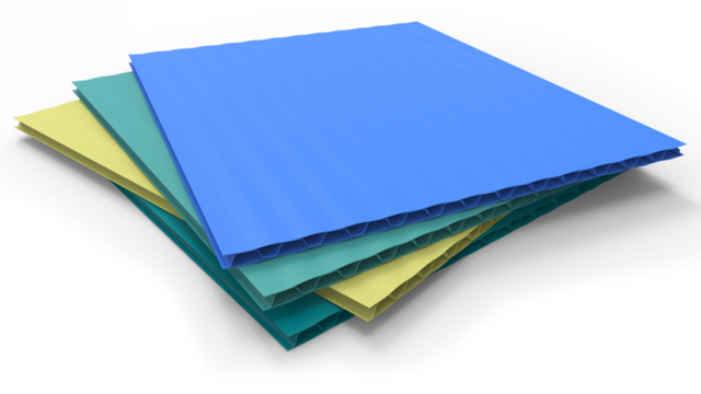 Corriboard sheets by Peter Sobolev (via Shutterstock).